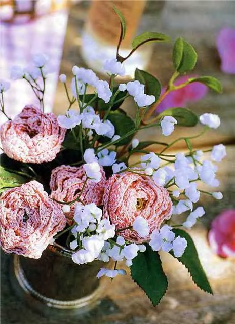 Вязаные крючком цветы