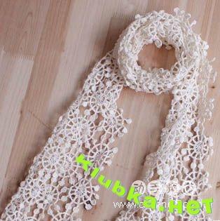 Вязаный шарф из снежинок