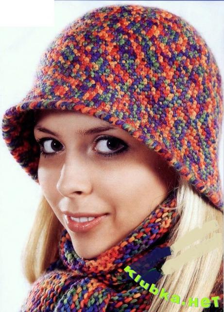 Вязаная шляпка и шарф