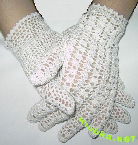 Перчатки белые крючком