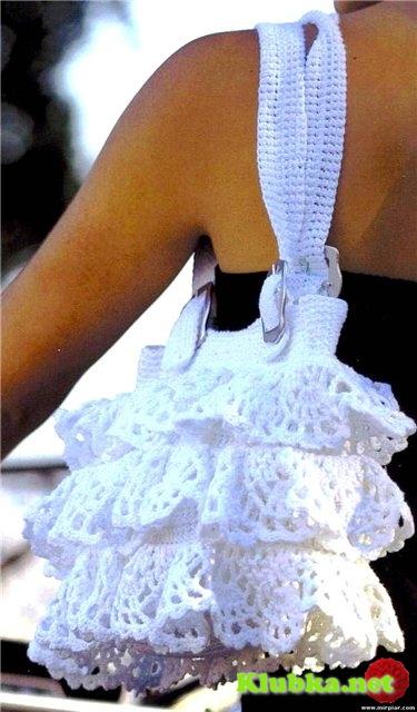 Изящная и кокетливая белая вязаная сумка (Без перевода)