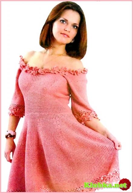 Платье с коротким рукавом крючком