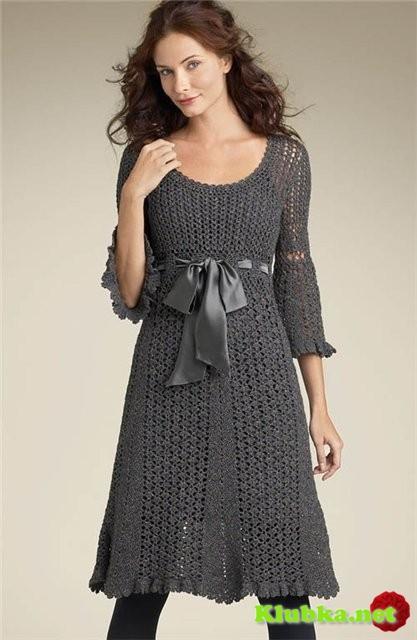 Серое платье крючком