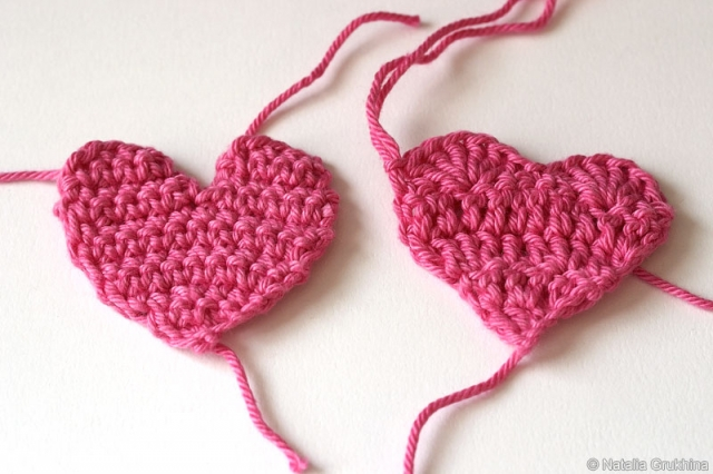 Плоские сердечки крючком