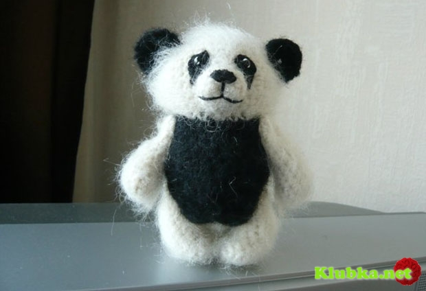 Описание вязаной игрушки крючком: Панда