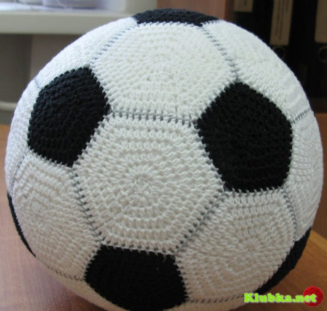 Как связать крючком мячик