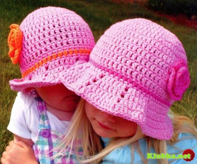 Шляпка с цветочком для девочки, связанная крючком