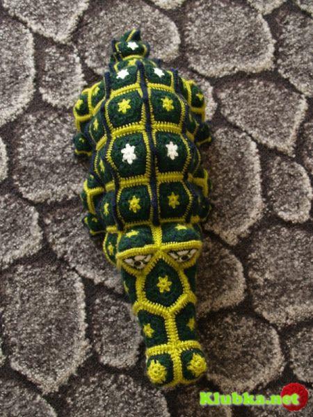 "Игрушки крючком из мотивов ""Африканский цветок""."