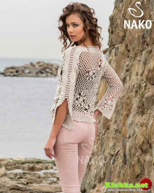 Пуловер из разных отдельных мотивов