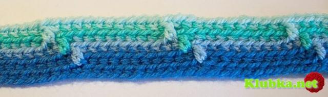 Полосатое вязаное одеяло