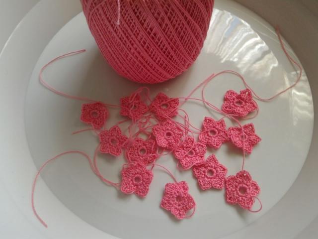 Вязание крючком цветы с бусинами 15