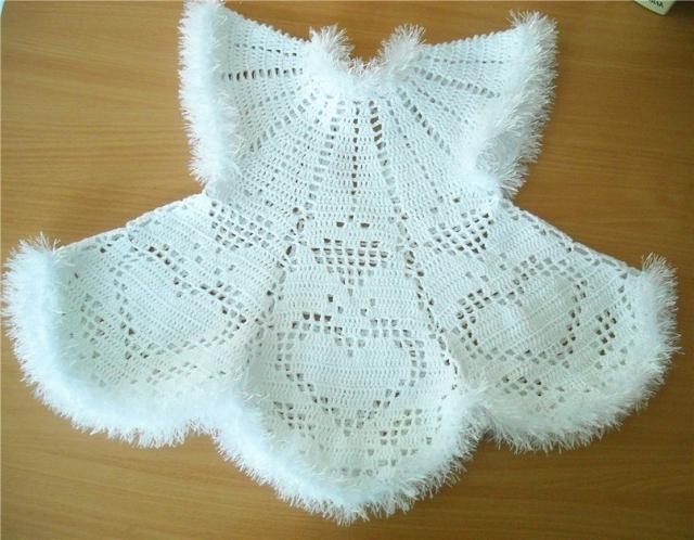 Белое платьице для девочки
