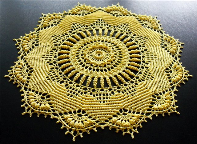 "Садфетка ""Ruby"" из альбома Doilies with a Twist"