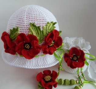 Детская шапочка с цветами крючком